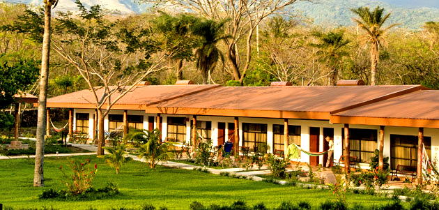 hotel_hacienda_guachipelin_rooms