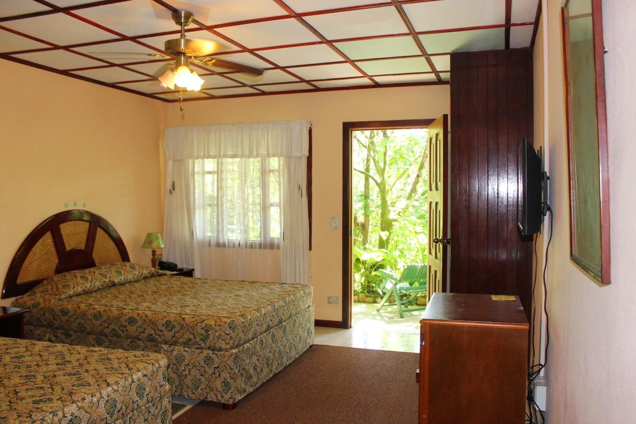 lands-in-love-rooms