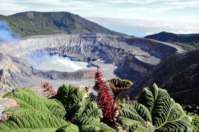 poas-volcano