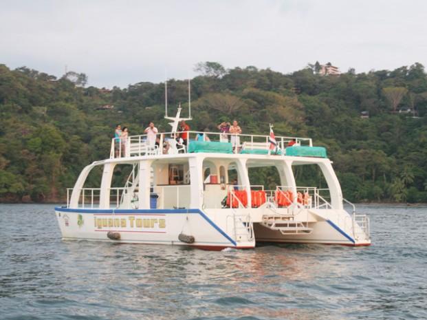 Catamaran-Manuel-Antonio-Tour-Operators-Costa-Rica-01