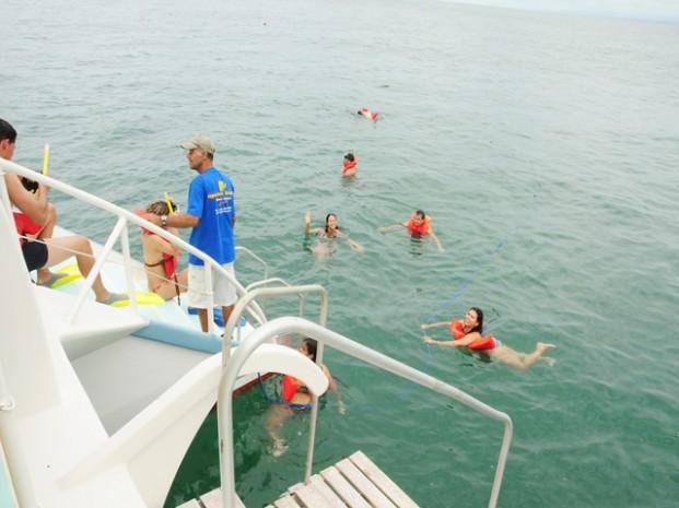 Catamaran-Manuel-Antonio-Tour-Operators-Costa-Rica-02