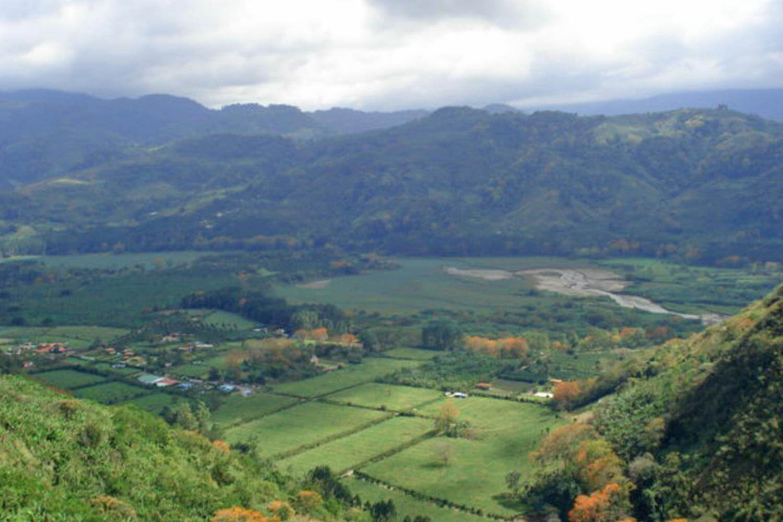 Irazu-Volcano-Orosi-Valley-Lankester-Garden-Tour-Operators-Costa-Rica-06