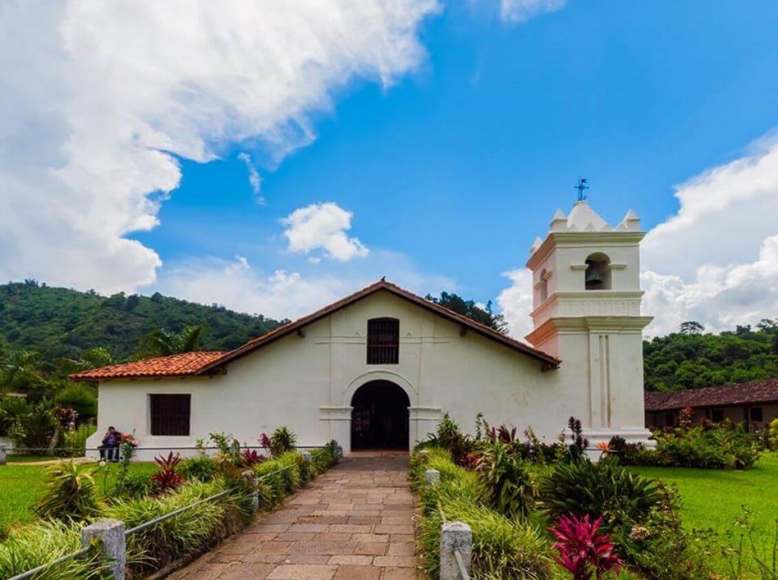 Irazu-Volcano-Orosi-Valley-Lankester-Garden-Tour-Operators-Costa-Rica-09