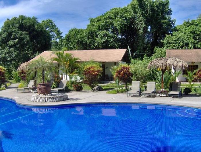 Hotel-Suizo-Loco-Lodge-Costa-Rica-1