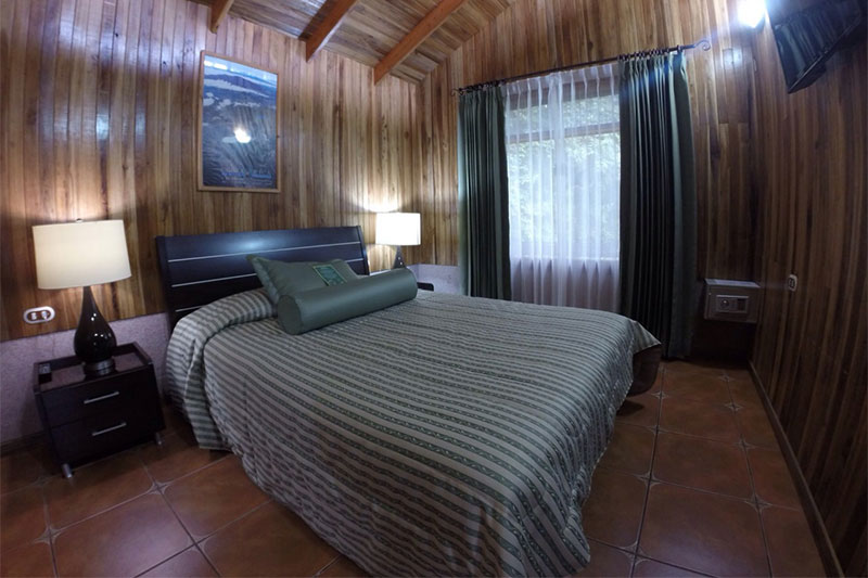 Los-Pinos-Cabanas-y-Jardines-Costa-Rica-1