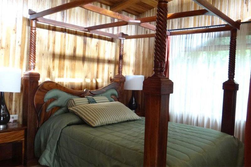 Los-Pinos-Cabanas-y-Jardines-Costa-Rica-2