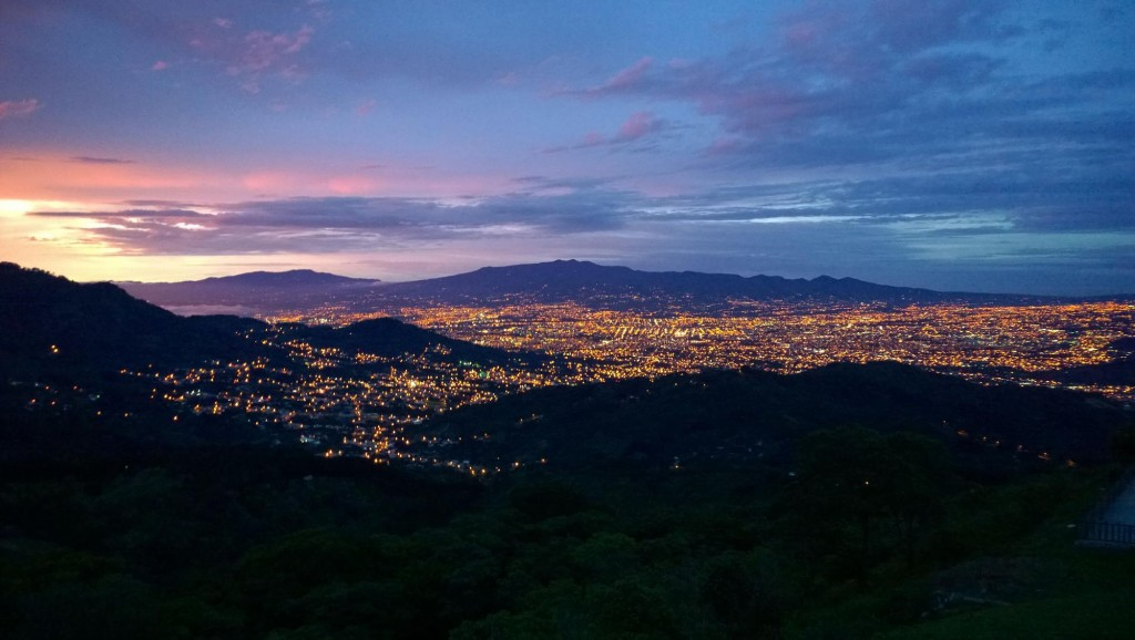 san-jose-costa-rica-at-night
