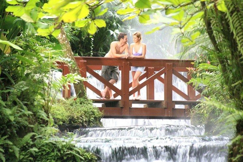 honeymoon tour packages to Costa Rica