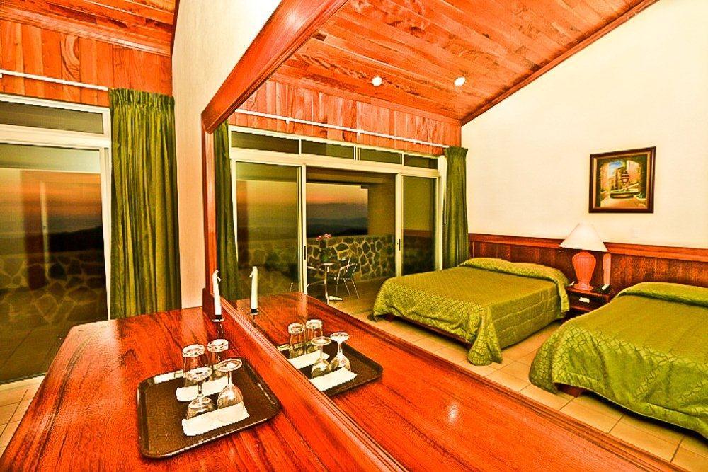 Hotel-Montana-Monteverde-Tour-Operators-Costa-Rica-04