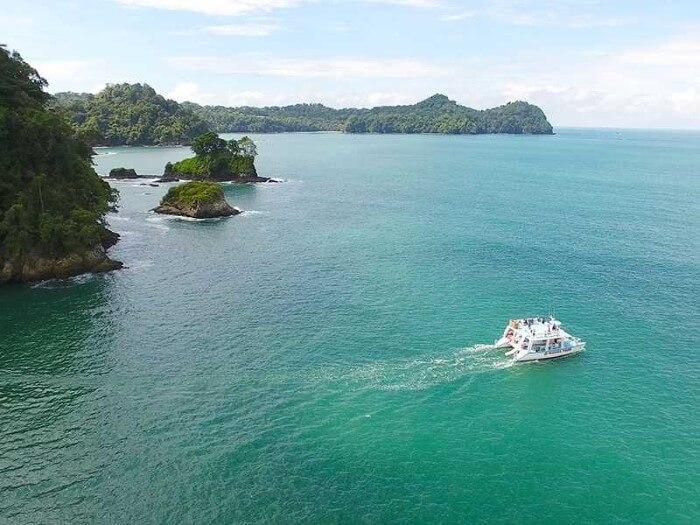 Iguana Tours Catamaran
